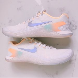 Nike Shoes - Nike Mecton 4 Rise